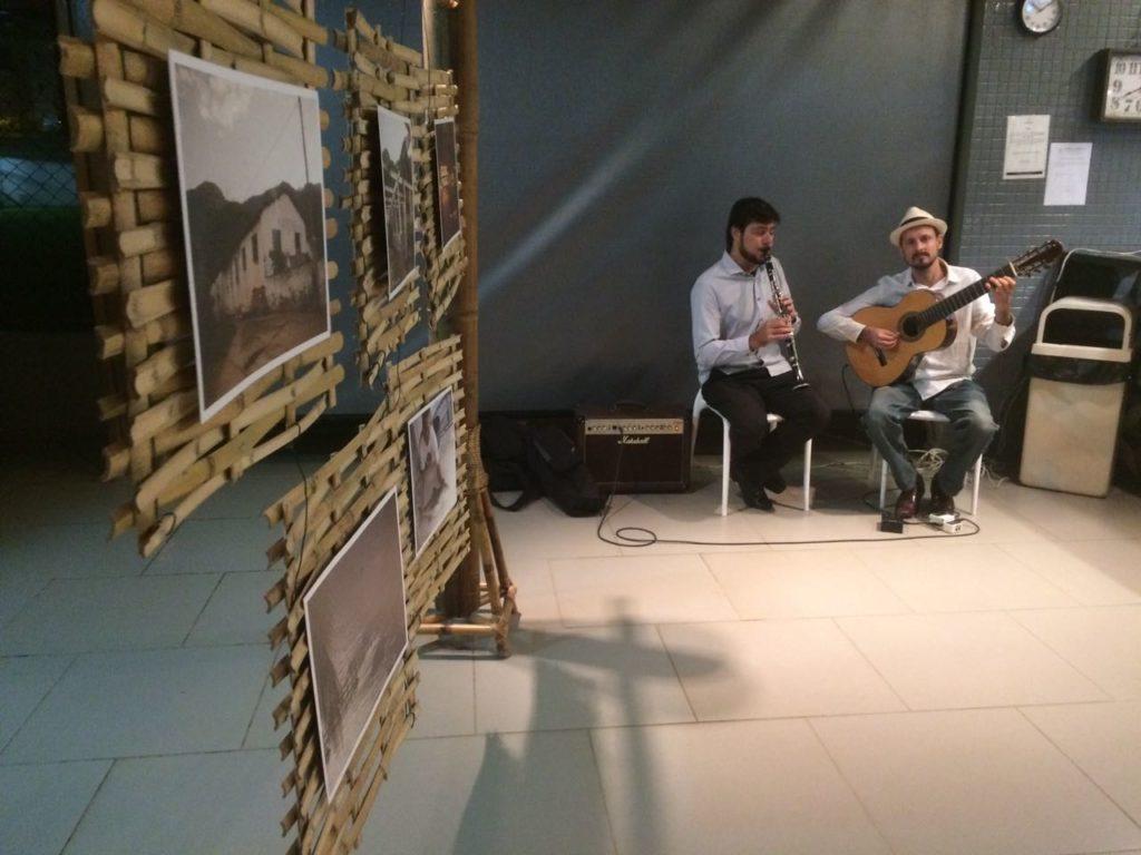 Clarinete: Henrique Simões    Violão 7 cordas: Paulo Ramos
